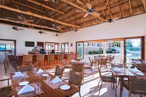 Las Verandas Hotel & Villas, Resort  First Bight - big - 70