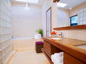 Las Verandas Hotel & Villas, Resorts  First Bight - big - 14