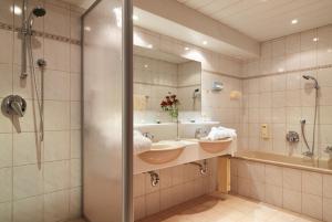 Gasthof Valluga - Hotel - St Christoph am Arlberg