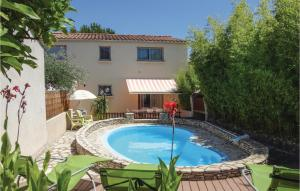 Three Bedroom Holiday Home in Tourbes