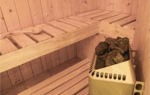 Three-Bedroom Holiday Home in Studzienice