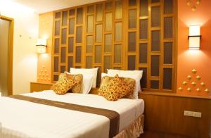 Golden House, Hotel  Bangkok - big - 35
