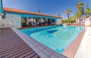 Awesome home in Izola w/ Outdoor swimming pool, WiFi and 4 Bedrooms