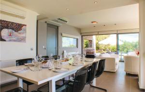 Stunning home in Perdika w/ Outdoor swimming pool, Outdoor swimming pool and 4 Bedrooms Aegina Greece