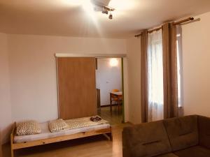 Apartment Insat III