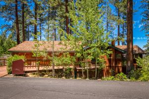 4 Bed 4 Bath Vacation home in Lake Tahoe - Hotel - Glenbrook