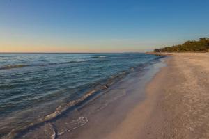 Sunset Beach 204, Ferienhäuser  Ilexhurst - big - 7