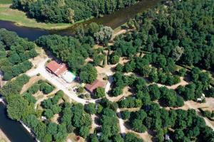 Location gîte, chambres d'hotes Camping Les Mijeannes dans le département Ariège 9