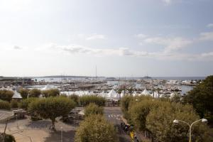 Carrousel 4, Apartmány  Cannes - big - 20