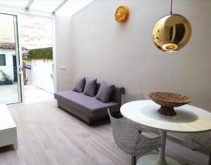 Mazi Apartments Chic
