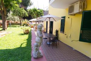 B&B Massico Apartments, Bed and Breakfasts  Sant'Agnello - big - 52