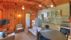 Hideaway Retreat, Hotely  Burnt Pine - big - 8