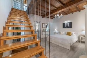 1 BD 1 BA Spanish Steps Penthouse Apartment - AbcRoma.com