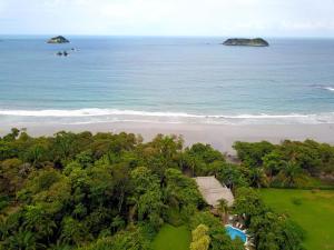 Karahe Beach Hotel