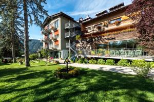 Azalea Park Hotel - Cavalese