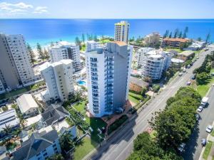 Rainbow Commodore Apartments