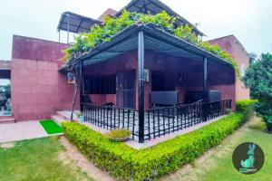 THE PEPFARM-Farmhouse with pool for parties, Holiday homes  Gurgaon - big - 12