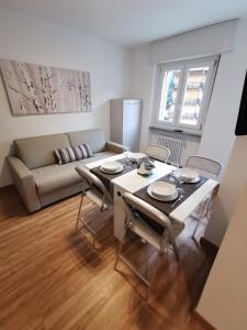 Hostdomus Smart Tech Apartment