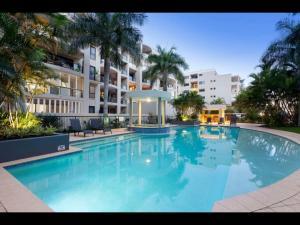 Family 3 bedroom Lux Retreat*City*Views*Wifi*Gym*Car