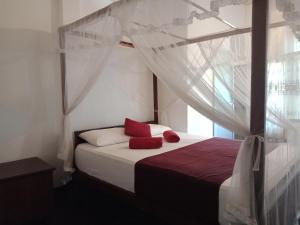 . Areca house hiriketiya room 1