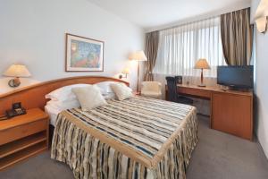 Grand Hotel Bonavia (24 of 61)