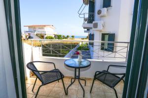 Koukounari Apartments Agistri Greece