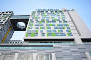 Republic Plaza Apartment near Airport