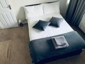 DOUBLE ROOMS NEAR CENTRAL LONDON