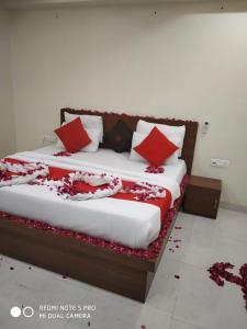 Hotel Black Tie - Raja Park