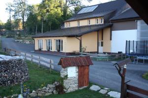 Auberges de jeunesse - Penzion Farma Žleby
