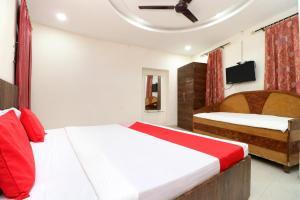 OYO 24116 A One Home Stay, Hotel  Amritsar - big - 12