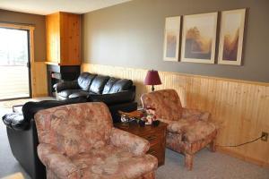 Big White Village Best Ski-In/Out - Hotel - Big White