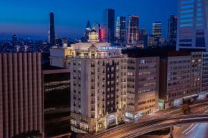 DoubleTree by Hilton Istanbul ..