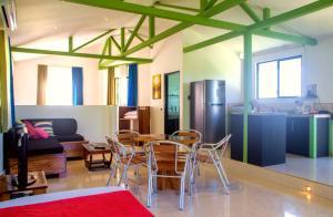 Fuego Lodge, Hotely  Pláž Santa Teresa - big - 6