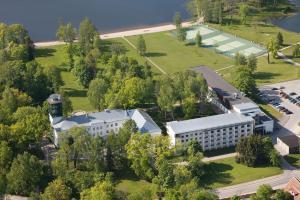 Pühajärve Spa & Holiday Resort, Отепя