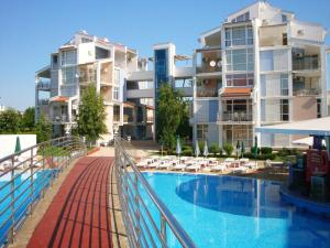 Apartment Sunlit