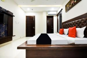 Capital O 60496 Hotel Avera, Hotel  Amritsar - big - 6