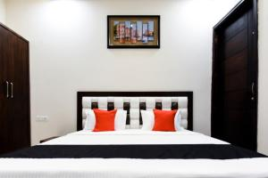 Capital O 60496 Hotel Avera, Hotel  Amritsar - big - 11