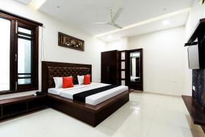 Capital O 60496 Hotel Avera, Hotel  Amritsar - big - 5