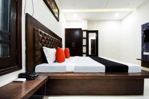 Capital O 60496 Hotel Avera, Hotel  Amritsar - big - 8