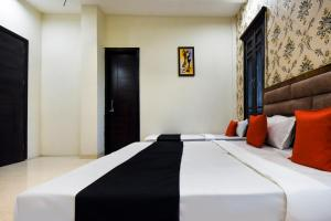 Capital O 60496 Hotel Avera, Hotel  Amritsar - big - 28