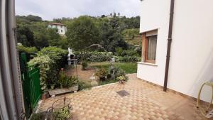 a Sanremo Appartamento con giardino - AbcAlberghi.com