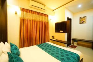 Hotel Aarya Inn, Райпер