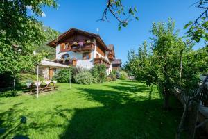 Appartamenti Casavacanzepejo - AbcAlberghi.com