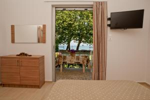 Deluxe Sea Front Two-Bedroom Apartment - Ground Floor