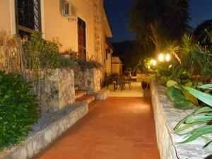 B&B Al Giardino, Bed & Breakfasts  Monreale - big - 51