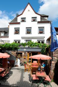 Wein- und Gästehaus M. Bai - Grenderich