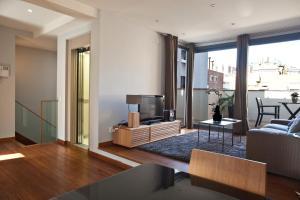 Luxury Palace Apartments