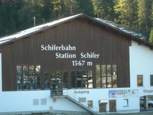 Berghaus Schifer, Inns  Klosters Serneus - big - 15