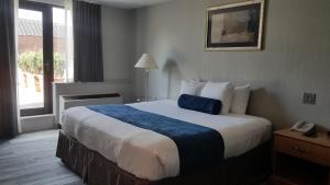 Marco LaGuardia Hotel & Suites - Queens